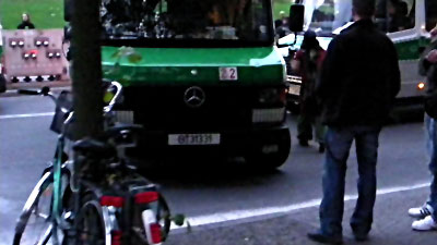 Berliner Prügelpolizisten bei Datenschutz-Demo Bild-25